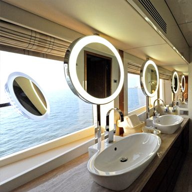 Luxury bathroom on superyacht - Basmalina, Luxury Super Yachts .