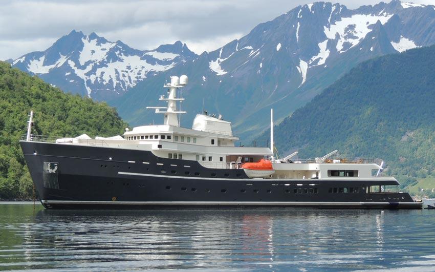 Yacht Refit- Project Legend